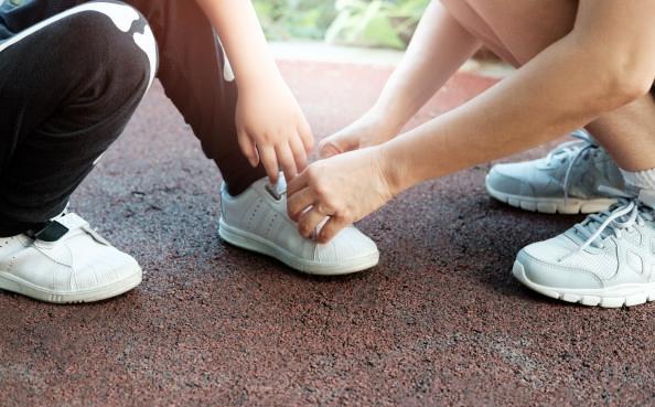 Prepara los pies de los más pequeños para la vuelta al cole